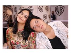 Camila Mendes and Cole Sprouse Watch Riverdale, Riverdale Memes, Riverdale Cast, Camilla Mendes, Zack E Cody, Riverdale Cole Sprouse, Betty And Veronica, Bonnie Bennett, Cheryl Blossom