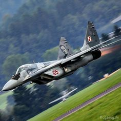Mikojan-Gurewitsch MiG-29 Fighter Jets, Army, Aircraft, Club, World, Vehicles, The World, Aviation, Military