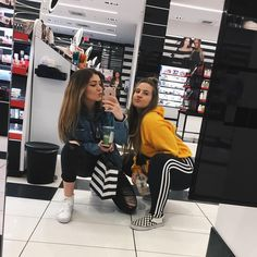 "30.5k Likes, 113 Comments - ASHLEY RAE (@ashleysmashlaay) on Instagram: ""we out here gettin our Christmas shopping done """