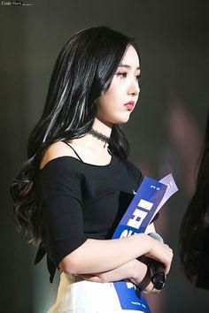 Gfriend first concert January 2018 'Season of Gfriend' Cr: owner South Korean Girls, Korean Girl Groups, Sinb Gfriend, G Friend, Beautiful Asian Girls, Kpop Girls, My Girl, Girlfriends, Rapper