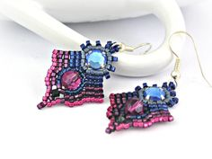Olympian blue and pink flambé beaded by TyssHandmadeJewelry  #beadwork