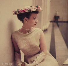 3-Fashions-For-Spring-Washington--D.C.--1952f
