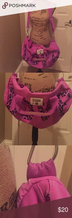 PINK duffle bag This bad is soo cute and perfect for over nightingale at your bff's house! It is in used condition! It's super clean inside and out only sign of wear see picture #3 is on the sides of the bag by the strap! Price reflects wear please feel free to ask questions! Thank you for looking ladies ❤️ PINK Victoria's Secret Bags Travel Bags