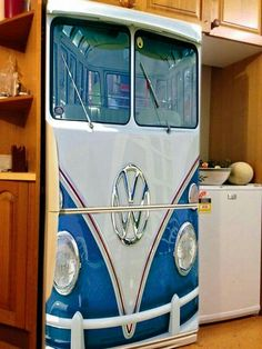 VW Bus Fridage? Looks cool to me ♠ re-pinned by http://www.wfpblogs.com/category/toms-blog/