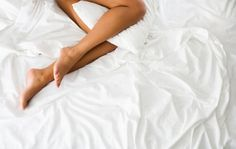 New medical miracle found in vagina - Times LIVE Leg Pain, Back Pain, Spine Alignment, Medical Miracles, Leg Pillow, Pillow Talk, When You Sleep, Tips Belleza, Female Bodies