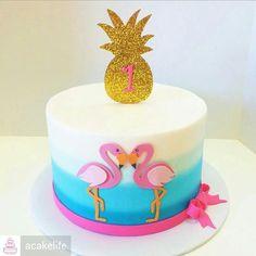 Flamingo Party, Flamingo Cake, Flamingo Birthday, Fondant Cupcakes, Fun Cupcakes, Cupcake Cakes, Bithday Cake, 13 Birthday Cake, Luau Birthday