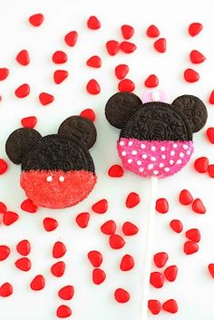 Minnie and Mickey Mouse Oreo Cookie Pops - Cute kids-parties