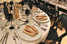Table Setting for a using Black & Gold Outdoor Table Settings, Outdoor Tables, Beach Dinner, Outdoor Dinner Parties, Wedding Stuff, Wedding Ideas, Romantic Beach, Elegant Dining, Centerpiece Ideas