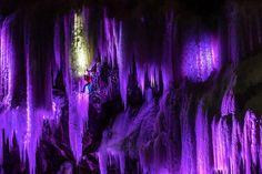 Frozen Waterfall Climbing - Thomas Senf/Visual Impact/Mammut
