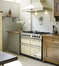 The Original Falcon Range Cooker This Model Has Been Replaced By New 1000 Deluxe Version