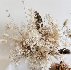 Such a gorgeous dried flower and grass display, perfect for wedding venue decorations🍂 Fresh Flowers, Dried Flowers, Beautiful Flowers, Floral Wedding, Wedding Bouquets, Wedding Flowers, Deco Floral, Floral Design, Best Decor