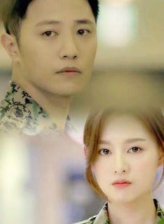 My Gab couple in this drama ❤❤❤ Song Hye Kyo, Song Joong Ki, Drama Korea, Korean Drama, Decendants Of The Sun, Sun Song, Chines Drama, Jin Goo, Kim Ji Won