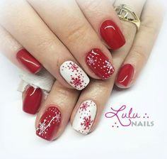 ❤ Let's take a look of the most beautiful Christmas nail designs like red Christmas nails, jingle bells nails, snowflake nails, Santa Claus nails and a lot of Christmas inspired nails that will act as inspiration for you! Christmas Gel Nails, Christmas Nail Art Designs, Holiday Nails, Christmas Design, Christmas Makeup, Christmas Ideas, Christmas Quotes, Plaid Nails, Red Nails