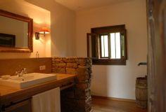 Guest bathroom on the ground floor