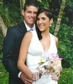 Footballer husband James Rodriguez with his Volleyball player wife Daniela Ospina at wedding ceremony