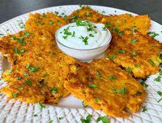 Tzatziki, Dip, Curry, Menu, Ethnic Recipes, Food, Menu Board Design, Salsa, Curries
