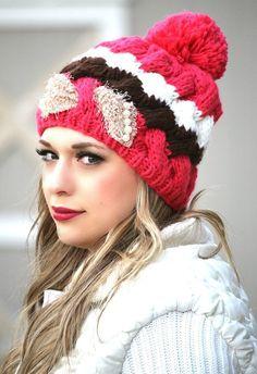Knit Pom Pom   Pearls Hat. Foulard, Noeuds À Cheveux Mignons, Gros Fil,  Chapeaux Tricotés, Bonnets ... 396bdccba17