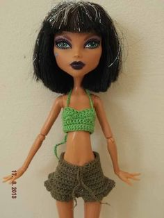 Ropa Monster High: Nuevos conjuntos en DaWanda, España envio gratis Crochet Monster High, Monster High Clothes, Barbie, Sewing Toys, Beautiful Outfits, Knit Crochet, Etsy, Knitting, Pattern