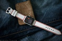 Handmade Vintage Leather Band White/Red by BlackForestAtelier for Apple Watch Space Grey, Apple Picture, Red Design, Leather Bags Handmade, Apple Watch Bands, Vintage Leather, Watches, Gray, My Style
