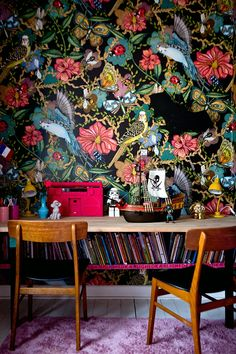 Kids' Room Ideas: Creating a Mural from Wallpaper Estilo Kitsch, Deco Cafe, Deco Baroque, Sweet Home, Turbulence Deco, Deco Nature, Wall Wallpaper, Forest Wallpaper, Funky Wallpaper