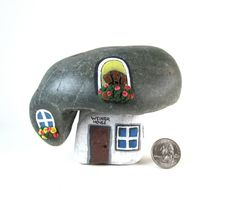 Dachshund.++Weiner+House.+Hand+Painted+Natural+Rock+by+qvistdesign