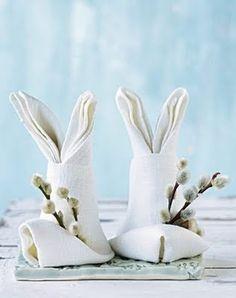 cute…(;_;)。大好きなウサギとネコヤナギのマリアージュ♪