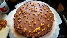 cum se monteaza un tort cu ciocolata si coji de portocale (2) Mai, Food Art, Cooking Recipes, Desserts, Tarts, Mascarpone, Postres, Chef Recipes, Deserts