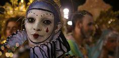 Mangueira  https://carnaval.uol.com.br/2017/rio-de-janeiro/album/escolas-de-samba/2017/02/28/mangueira.htm?foto=22