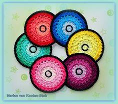 Crochet coasters. You can find the free pattern here  http://grietjekarwietje.blogspot.nl/2010/08/haakpatroon-onderzetters.html