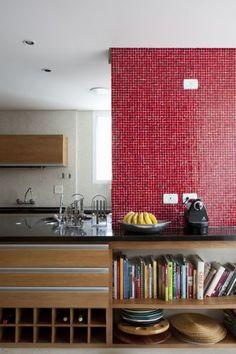 Apartamento 40 / FGMF #kitchen #red #cozinha