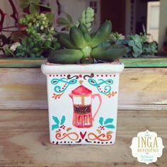 Materas Pintadas a mano personalizadas · pedidos: ingaaccesorios@gmail.com  Hechas con todo el corazón y palabras positivas. #artstyle #shoppingonline #artist #materas #macetas #love #potterybarn #art #handmade #plants #plantas #bespoke #design #costume #claypot #artisanal #ceramicas #personalized #artcrafty #matrioskas #vintage