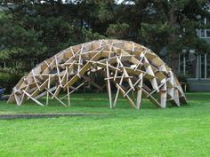 Lately, a variety of experimental wooden pavilions have been erected at the ETH Hönggerberg campus , Zurich. A pavilion made from bent . Timber Architecture, Modern Architecture Design, Pavilion Architecture, Concept Architecture, Shell Structure, Bamboo Structure, Timber Structure, Wooden Pavilion, Modern