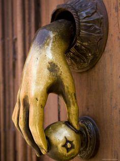 "Antique door knocker ""She's got a handle on things. Antique Door Knockers, Door Knobs And Knockers, Knobs And Handles, Door Handles, Door Knockers Unique, Cool Doors, Unique Doors, Porte Cochere, Hand Shapes"