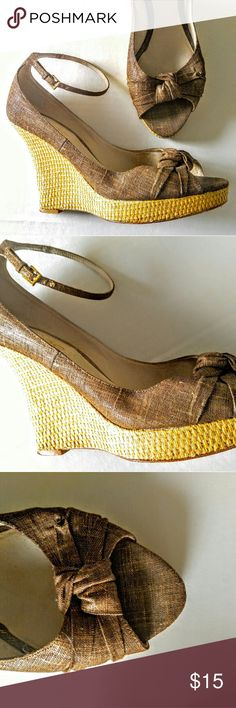Aldo Peep Toe Cork Wedge Brand  Aldo  Fastening  Buckle  Style  Strappy  Heel Height  High (3 in. and Up)  US Shoe Size (Women's)  8  Occasion  Casual  Width  Medium (B, M)  Heel Type  Wedge  Color  Bronze   Material  Cork  Category  Sandals & Flip Flopsin Clothing, Shoes & Accessories Aldo Shoes Platforms