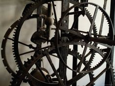 building your own wooden gear clock