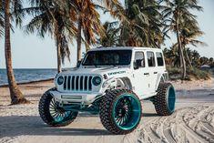 White Jeep Wrangler Unlimited, Jeep Wrangler Sahara, Jeep Suv, Jeep Cars, Custom Headlights, Two Tone Paint, Custom Jeep, Jeep Gladiator, Rear Brakes