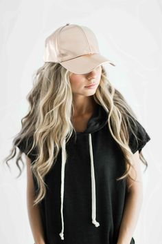 rose gold hat, rosegold baseball cap, baseball cap, varsity stripe shirt, blonde hair, wavy hair, fashion, style, fall fashion