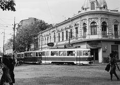 Tramvai pe Buzesti © Serban Lacriteanu Neoclassical Architecture, Little Paris, Baroque Design, Bucharest, Modern Buildings, Beautiful Architecture, Public Transport, Romania, Nostalgia
