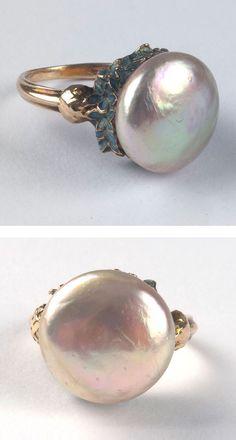 René Lalique - An Art Nouveau gold, enamel and pearl 'Bleuets' ring, 1903-05. Signed: LALIQUE. #Lalique #ArtNouveau #ring