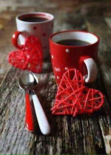 coffee and red hearts Coffee Vs Tea, I Love Coffee, Coffee Cafe, Good Morning Coffee, Coffee Break, Coffee Mornings, Café Chocolate, Le Cacao, Coffee Heart