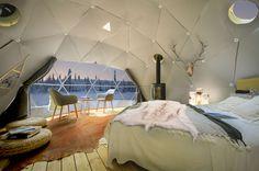 Een bijzondere plek om te overnachten in Fins Lapland: Aurora Dome in Torassieppi Winter Village. Slapen onder de sterrenhemel en het noorderlicht!