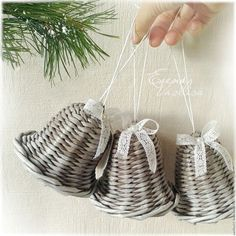 Christmas Paper Crafts, Merry Christmas And Happy New Year, Christmas Cross, Christmas Projects, Christmas Tree Ornaments, Christmas Diy, Paper Basket Weaving, Willow Weaving, Newspaper Basket