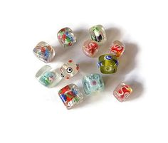 perles de verre cube en mélange lot de 11 pièces : Perles en Verre par mamiechantal-screations