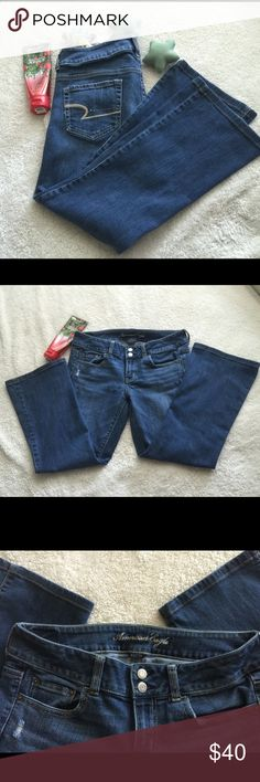 American Eagle Stretch Denim Stretch, 99% cotton & 1% spandex. Artist style. 2 button closure & zippered closure. 2 back pockets. 2 front pocket with 1 secret pocket. Inseam: 26 inches, L: 32 inches. Used and in good condition. American Eagle Outfitters Jeans