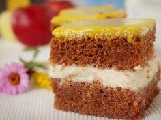 Ciasto marchewkowe z kremem jabłkowym i polewą bananową - Krok 7