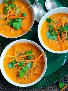Spicy gulrotsuppe med mokkamenn Veggie Recipes, Soup Recipes, Dinner Recipes, Cooking Recipes, Veggie Food, Vegetarian Dinners, Vegetarian Recipes, Healthy Recipes, Food Inspiration