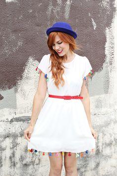 littlecraziness: (via DIY Tassel Dress - A Beautiful Mess) Tassle Dress, Diy Fashion Projects, Diy Projects, Boho Chic, Diy Tassel, Tassels, Diy Couture, Idee Diy, Diy Clothing