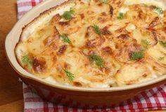 Cheesy Potato Bake with Dill - Dorot Gardens Cheesy Potato Bake, Cheesy Potatoes, Onion Casserole, Casserole Recipes, Greek Recipes, Italian Recipes, Musaka, Recipe Filing, Gratin