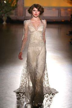 'The Gilded Age' Claire Pettibone's Divine Fall 2016 Bridal Collection Modest Wedding Dresses, Bridal Dresses, Wedding Gowns, Wedding Blog, Lace Wedding, Claire Pettibone, Gorgeous Wedding Dress, Beautiful Dresses, Bridal Collection