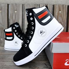 Sport shoes fashion casual black nikes Ideas for 2019 Casual Sneakers, Sneakers Fashion, Casual Shoes, High Top Sneakers, Men Casual, Men's Sneakers, White Sneakers, Cheap Mens Fashion, Mens Boots Fashion
